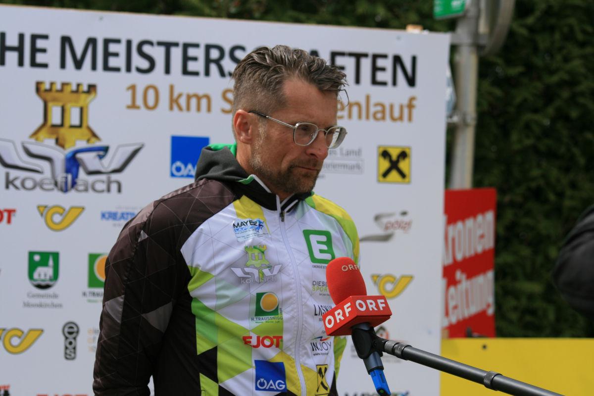 ÖM 10km Straße - LTV Köflach Obmann Stefan Mayer (c) Hannes Riedenbauer